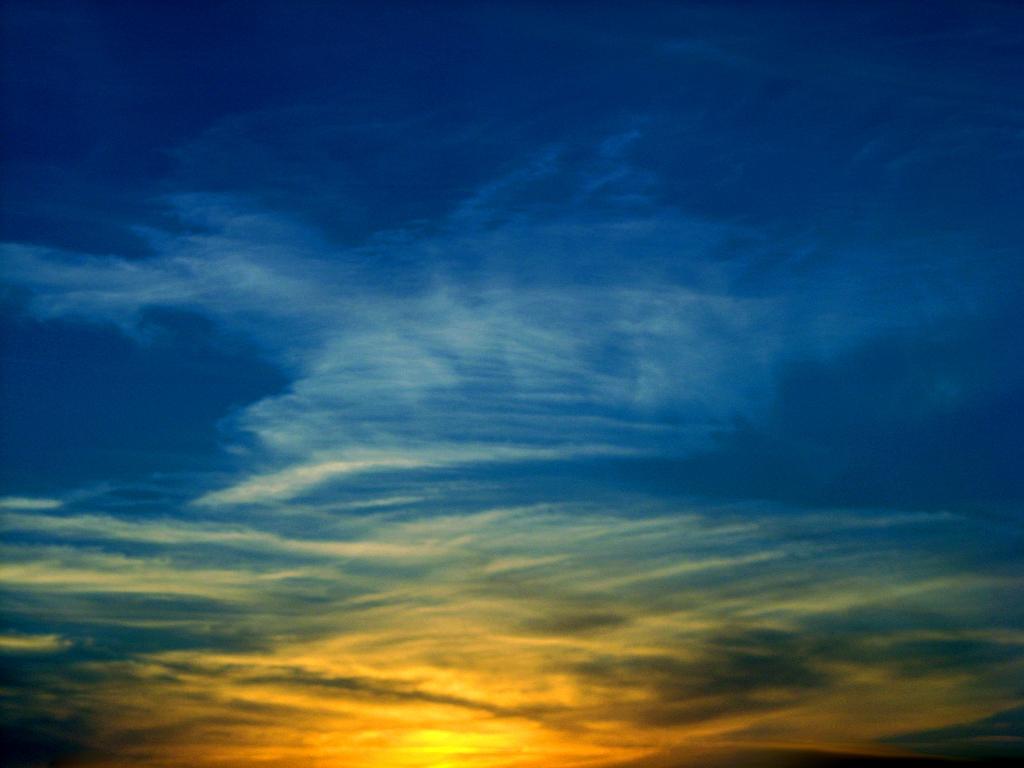 Kostenloses foto: fast nacht in mitternachts-blau