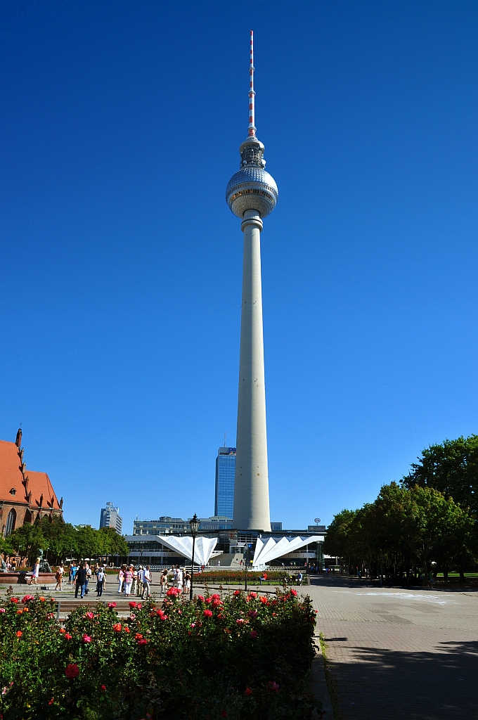 berliner fernsehturm in berlin related keywords berliner. Black Bedroom Furniture Sets. Home Design Ideas